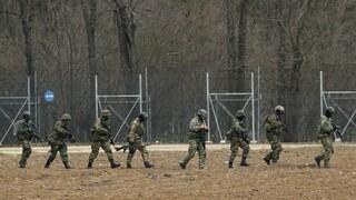 Έβρος: Με τη βοήθεια Τούρκων στρατιωτών περνούν από τα σύνορα οι μετανάστες