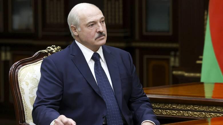 Λευκορωσία: «Ναι, μπορεί να έμεινα λίγο παραπάνω στην εξουσία», λέει τώρα ο Λουκατσένκο