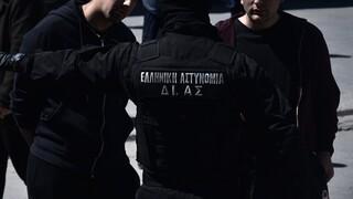 Σύλληψη 61χρονου για εμπρησμούς αυτοκινήτων στην Παλλήνη