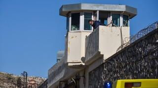 Φυλακές Κορυδαλλού: Εντόπισαν ναρκωτικά θαμμένα στην αυλή - Έφοδος στα κελιά