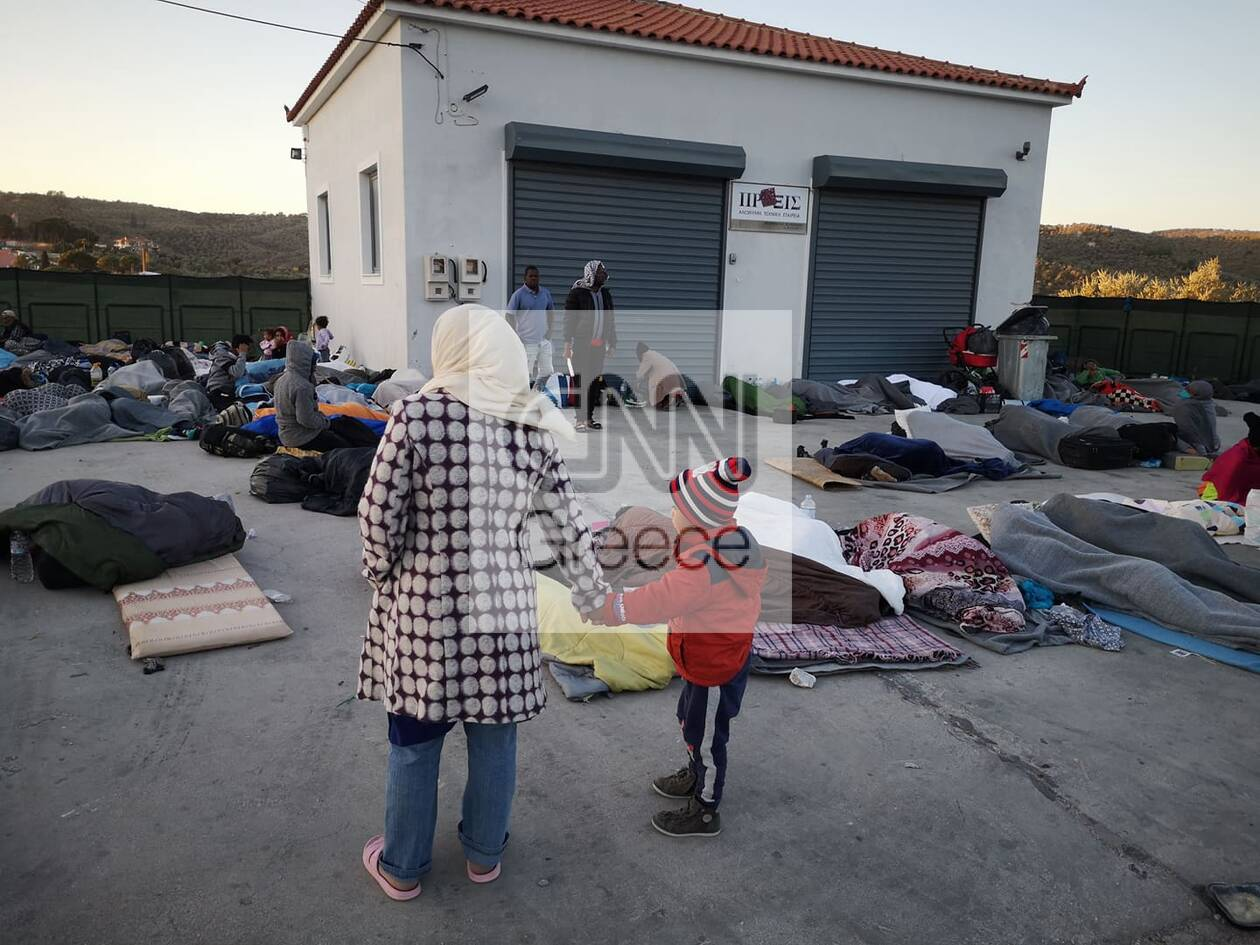 https://cdn.cnngreece.gr/media/news/2020/09/10/233870/photos/snapshot/moria_apostoli-18.jpg