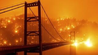 Στις φλόγες η Καλιφόρνια: Ακόμη τρεις νεκροί από τις φονικές πυρκαγιές εξαιτίας κεραυνών