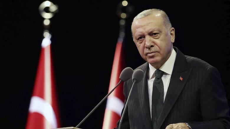 «Κεραυνοί» Ερντογάν: Είμαστε πολύ μεγάλοι για εσάς, δεν μπορείτε να μας φάτε