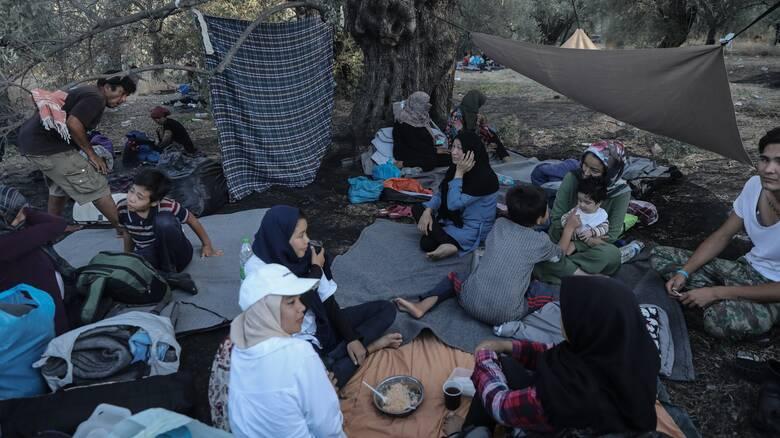 Ύπατη Αρμοστεία: Μακροπρόθεσμες λύσεις για τους πρόσφυγες και αιτούντες άσυλο