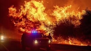 ΗΠΑ: Τουλάχιστον 24 νεκροί από τις πυρκαγιές – Εντολή εκκένωσης σε χιλιάδες