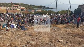 Το CNN Greece στη Μυτιλήνη: Ένταση, πετροπόλεμος και εικόνες ντροπής για μια ακόμη ημέρα