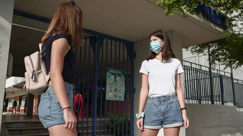 ΚΕΔΕ: Καμία μάσκα που δεν πληροί τις προδιαγραφές δεν θα δοθεί σε μαθητές