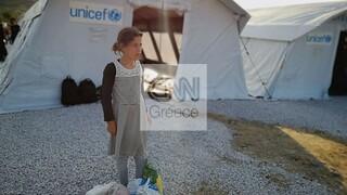 Αποστολή CNN Greece στη Μυτιλήνη: Τεστ κορωνοϊού σε όλους και εγκατάσταση των υγιών σε σκηνές