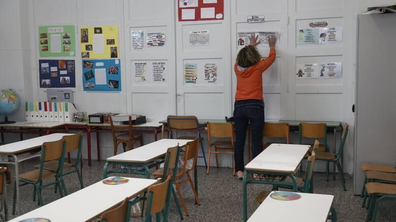 Παρέμβαση του υπουργείου Εσωτερικών για τα κλειστά σχολεία στη Μυτιλήνη