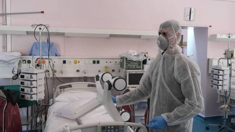 Κορωνοϊός: Δύο θάνατοι μέσα σε λίγες ώρες - Στους 304 οι νεκροί στην Ελλάδα