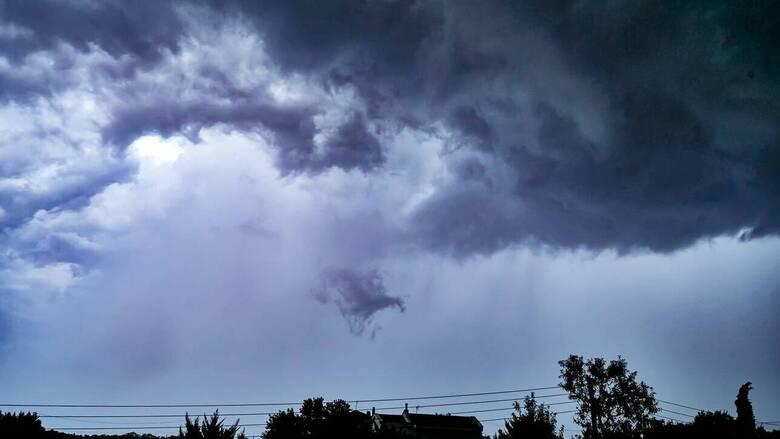 Καιρός: Μικρή πτώση της θερμοκρασίας αύριο - Πού αναμένονται βροχές
