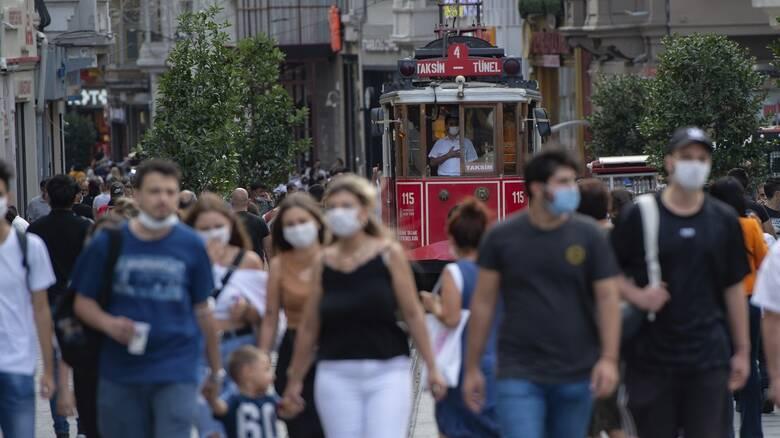 Κορωνοϊός: Ξεπέρασαν τις 7.000 οι θάνατοι στην Τουρκία