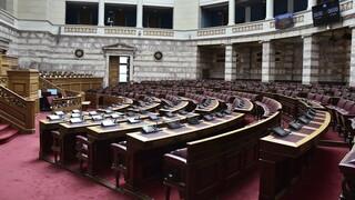 Ονομαστική ψηφοφορία στις ΠΝΠ με τα μέτρα κατά της πανδημίας από ΣΥΡΙΖΑ και ΚΚΕ