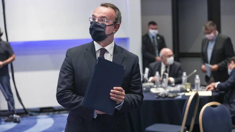 Σταϊκούρας: Αίτηση από το δανειολήπτη στην τράπεζα για προστασία από πλειστηριασμούς