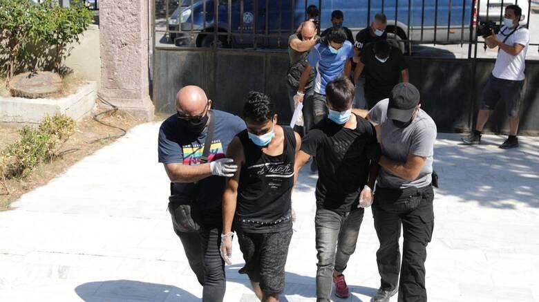 Στον Εισαγγελέα οι έξι συλληφθέντες για εμπρησμό του ΚΥΤ Μόριας