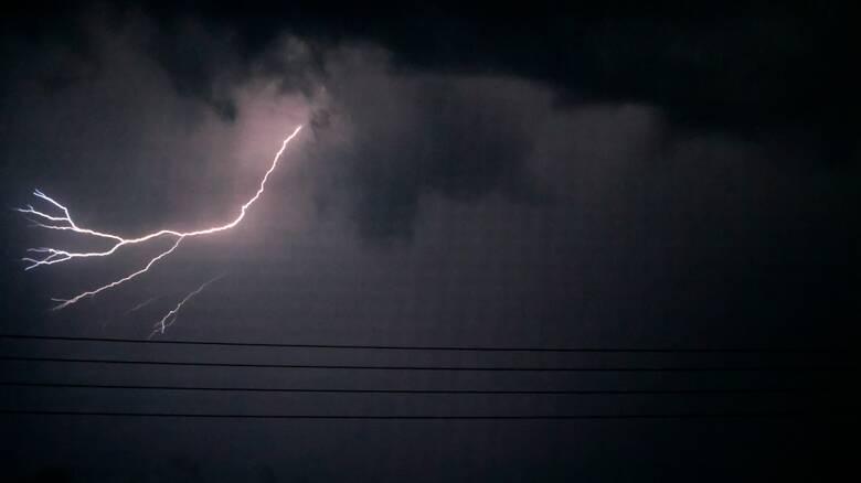 Κακοκαιρία «Ιανός»: Προ των πυλών βροχές και καταιγίδες  - Πότε θα «χτυπήσει» την Αττική