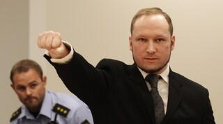 Νορβηγία: Ο Μπρέιβικ επιδιώκει την αποφυλάκισή του - Έντονες αντιδράσεις για τον μακελάρη