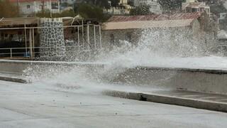 Κακοκαιρία «Ιανός»: Σε κατάσταση έκτακτης ανάγκης οκτώ περιοχές