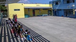 Κορωνοϊός: Τι λέει ο ΕΟΔΥ για το λάθος τεστ στο Γυμνάσιο Κερατσινίου