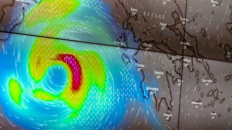 Κακοκαιρία «Ιανός»: Πώς προετοιμάζονται οι «κόκκινες» περιοχές για τον μεσογειακό κυκλώνα