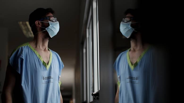 Κορωνοϊός - ΠΟΥ: Το 1/7 των μολύνσεων είναι μεταξύ υγειονομικών εργαζομένων
