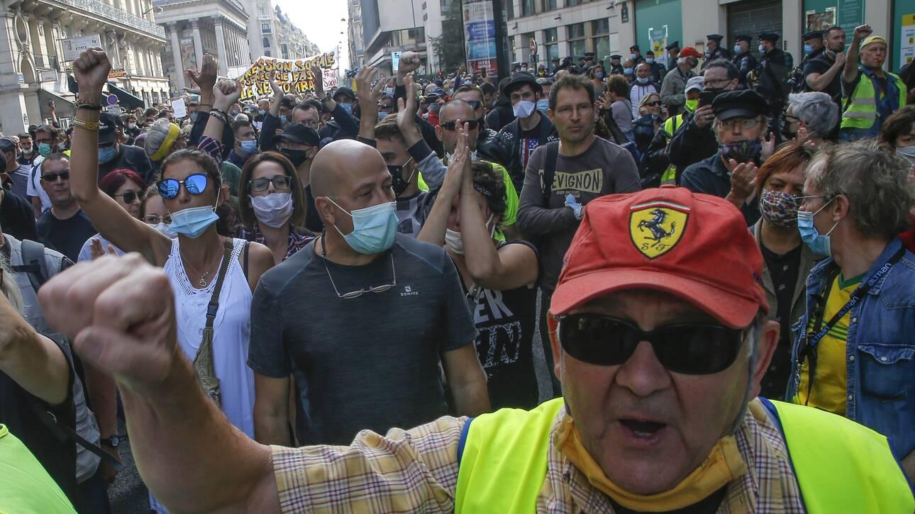 Γαλλία: Χιλιάδες διαδηλωτές στους δρόμους για τα εργασιακά
