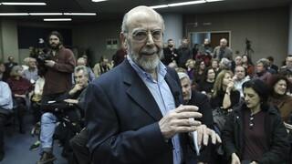 Πολιτική κόντρα για την ανάρτηση του καθηγητή Λιάκου σχετικά με τη Μόρια