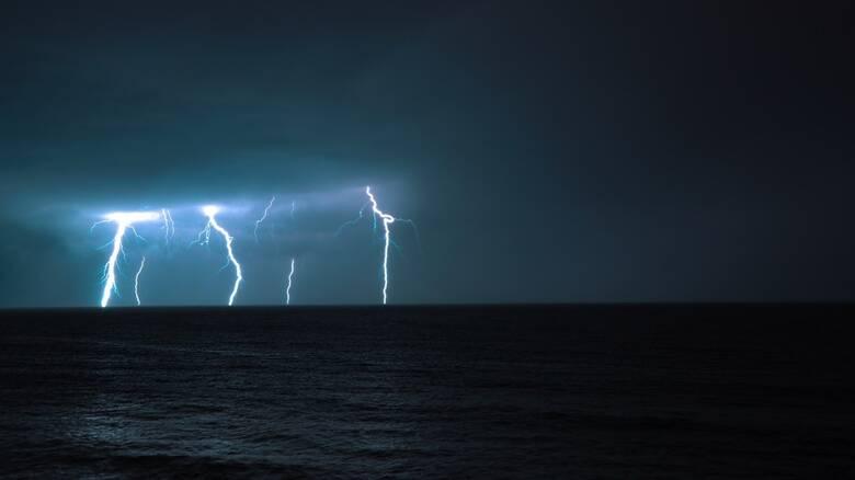 «Ιανός»: Άνεμοι 10 μποφόρ και ισχυρή καταιγίδα χτυπά την Ζάκυνθο