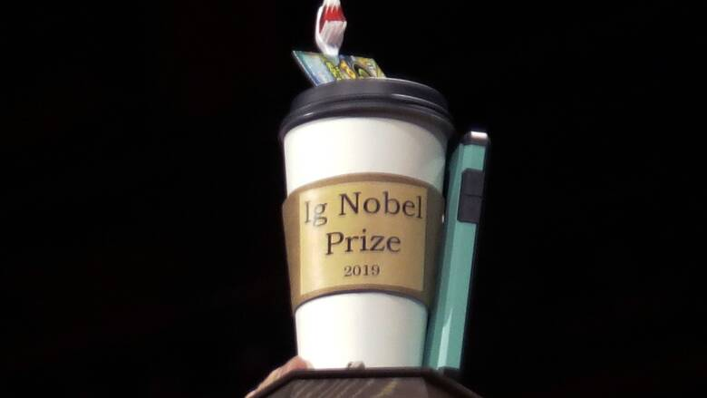 Ig Nobels: Απονεμήθηκαν τα εναλλακτικά βραβεία του... τρελού επιστήμονα