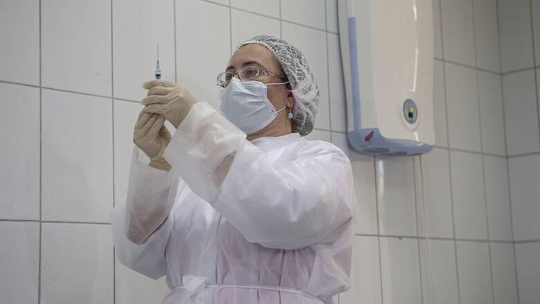 Η Κομισιόν κατέληξε σε δεύτερη συμφωνία για εμβόλιο κατά του κορωνοϊού