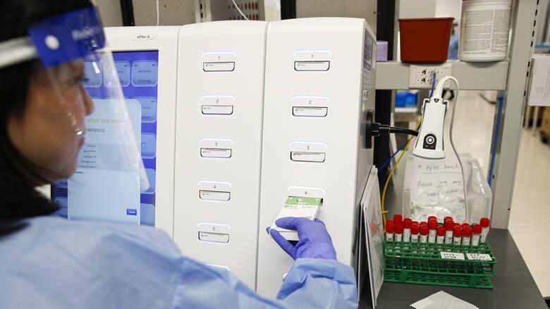 NYT: Οι οδηγίες για τα τεστ κορωνοϊού στις ΗΠΑ δεν δόθηκαν από τους επιστήμονες