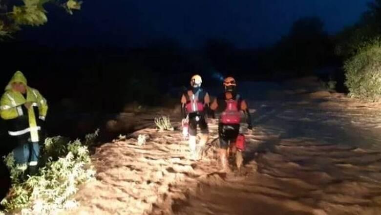 «Ιανός»: Θρίλερ με εγκλωβισμένους στον Αλμυρό Βόλου - Ανέβηκαν σε δέντρο για να σωθούν