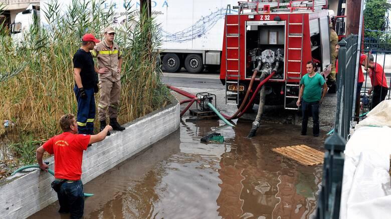 «Ιανός» - Καρδίτσα: 5.000 πλημμυρισμένα σπίτια, ζημιές σε 15 χωριά - Πώς κινείται ο κυκλώνας