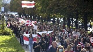 «Βράζει» η Λευκορωσία: Στους δρόμο ειδικά οχήματα της αστυνομίας ενόψει νέας διαδήλωσης
