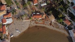 Κακοκαιρία «Ιανός»: Εικόνες βιβλικής καταστροφής στην Κεφαλονιά - Τρεις νεκροί στη Θεσσαλία