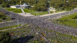 «Ξεκουμπίσου»: Συνεχίζονται οι κινητοποιήσεις κατά του Λουκασένκο