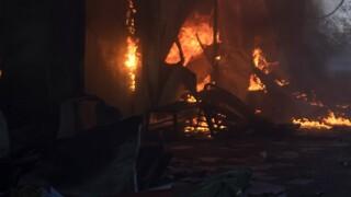 Φωτιά στο ΚΥΤ της Σάμου σε κοντέινερ ασυνόδευτων ανηλίκων - Δύο τραυματίες