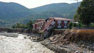 Πέτσας: Αυτά είναι τα μέτρα της κυβέρνησης για την ανακούφιση των πλημμυροπαθών
