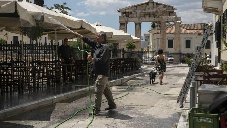 Κορωνοϊός: Σκέψεις για ήπιο lockdown στην Αττική – Οι φόβοι των ειδικών και τα επιπλέον μέτρα