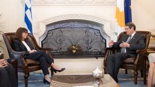 Σακελλαροπούλου-Αναστασιάδης: Ενιαίο αραγές διπλωματικό μέτωπο Κύπρου-Ελλάδας