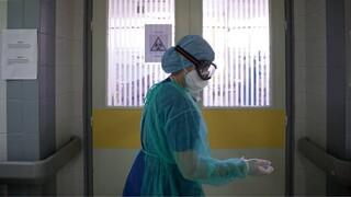 Κορωνοϊός: Ακόμη δύο νεκροί στην Ελλάδα - Ανάμεσά τους ένας 25χρονος