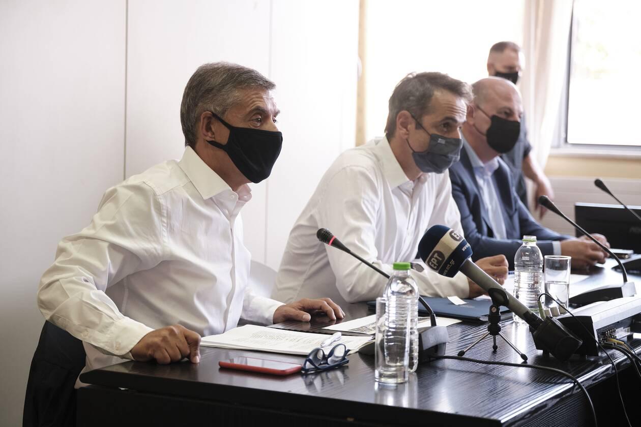 https://cdn.cnngreece.gr/media/news/2020/09/22/235376/photos/snapshot/mitsotakis_karditsa-3.jpg