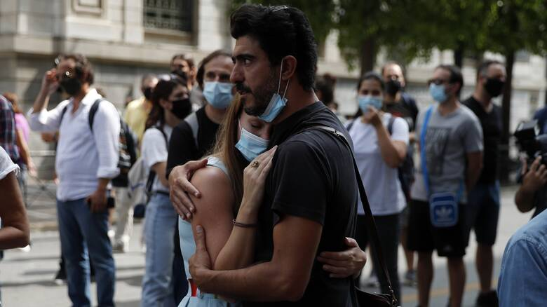 Κρίσιμο 10ήμερο υπό την απειλή lockdown – Στο αυτόφωρο από σήμερα οι απείθαρχοι της μάσκας