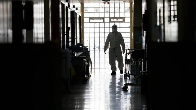 Κορωνοϊός: Κατέληξε 85χρονη - Στους 356 οι νεκροί στη χώρα