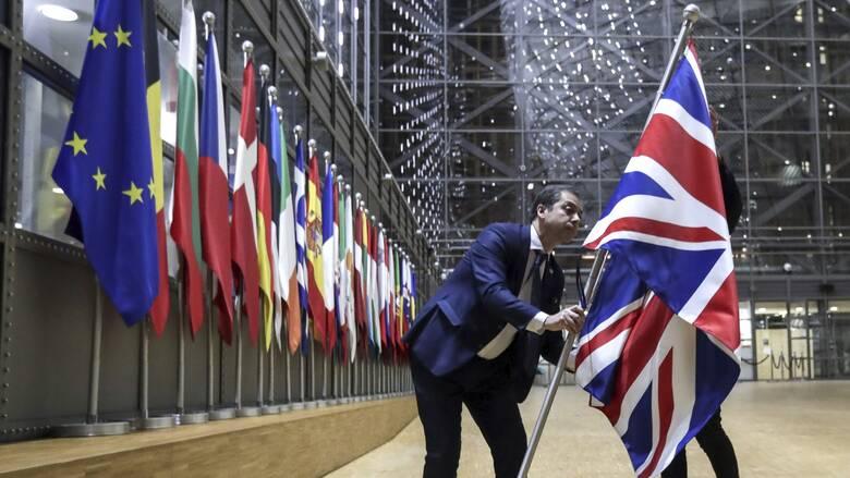 Brexit: Ουρές χιλιομέτρων στα βρετανικά σύνορα αν δεν υπάρξει συμφωνία με την ΕΕ