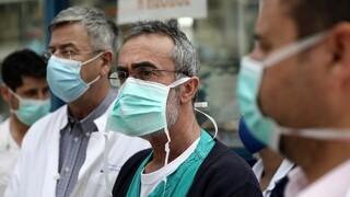 Πανελλαδική απεργία των νοσοκομειακών γιατρών και συγκέντρωση στο υπουργείο Υγείας