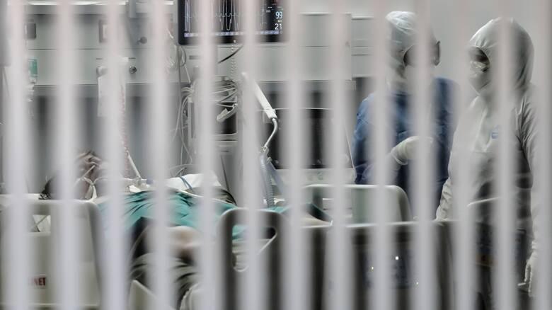 Κορωνοϊός: Τέσσερις νεκροί σε λίγες ώρες - 361 τα θύματα στην Ελλάδα