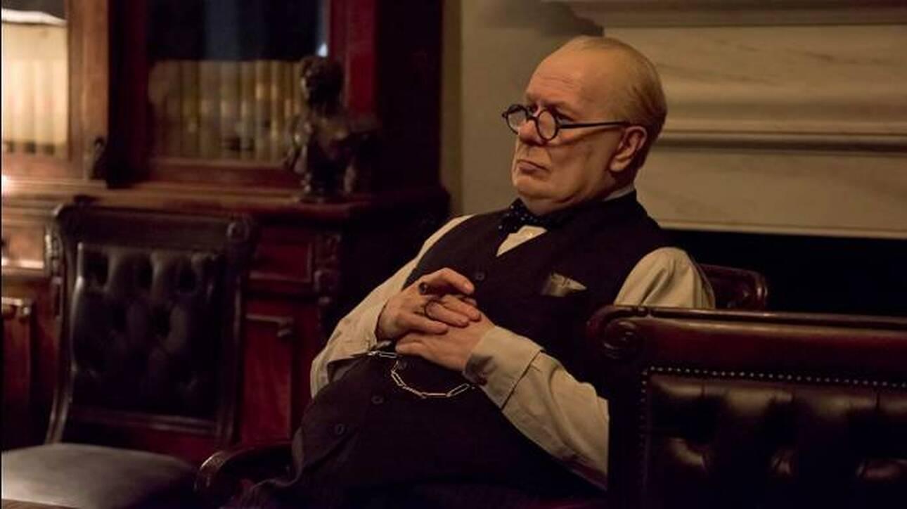 Γκάρι Όλντμαν: Σεναριογράφος τού έκανε αγωγή για την ταινία «Darkest Hour»