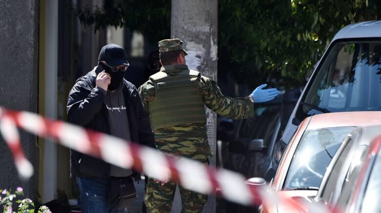 Επιχείρηση της Αντιτρομοκρατικής: Τρεις συλλήψεις – Βρέθηκαν όπλα και εκρηκτικά