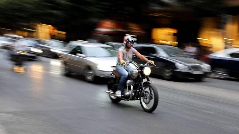 «Τα αλλάζει» το υπουργείο Μεταφορών για τις άδειες οδήγησης